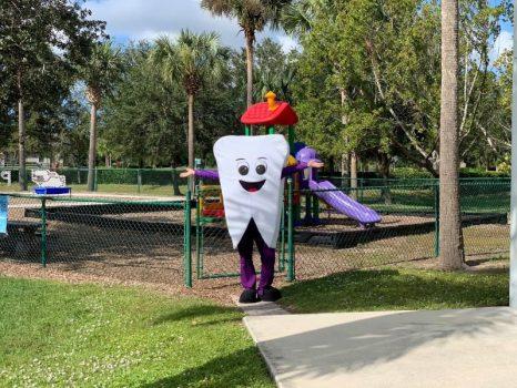 Tooth Mascot - Gulfshore Pediatric Dentistry
